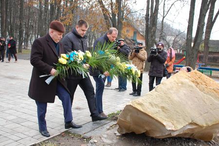 НаЛичаківському кладовищі вшанували новітніх Героїв України